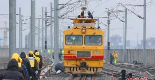 沪通铁路开始接触网冷滑试验
