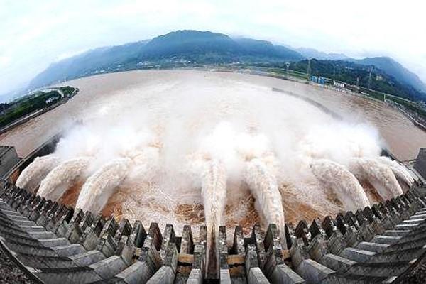 有了三峡工程,为什么今年长江防汛还这么紧张?水利部工程师陈桂亚给你解答